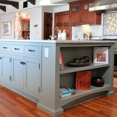 Craftsman Kitchen by Scane Custom Cabinets, Inc.