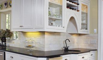 Cozy Bungalow Kitchen