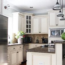 Traditional Kitchen by Unskinny Boppy