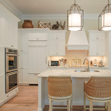 Traditional Kitchen by Kitchen Designs By Clay