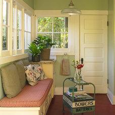 Craftsman Kitchen by Dunn-Edwards Paints
