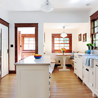 Mid Sized Craftsman Eat In Kitchen Remodeling   Inspiration For A Mid Sized