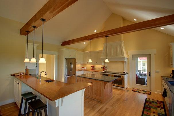 Craftsman Kitchen by RTA Studio