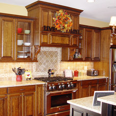Craftsman Kitchen by Jennifer Morgenthau Architect, LLC
