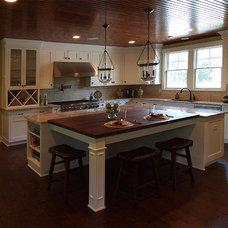 Craftsman Kitchen by G&G Custom Homes, Inc