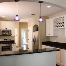 Modern Kitchen by Green Button Homes LLC