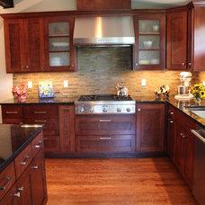 Craftsman Kitchen by Sadro Design Studio Inc.