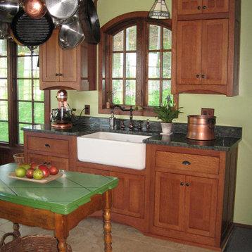 84 Craftsman Kitchen Design Ideas with White Appliances and Medium ...
