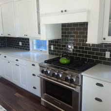 Traditional Kitchen by Island Wide Kitchens