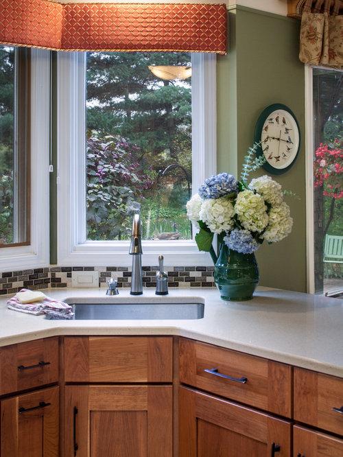 k chen mit halbinsel und vorratsschrank ideen design bilder houzz. Black Bedroom Furniture Sets. Home Design Ideas