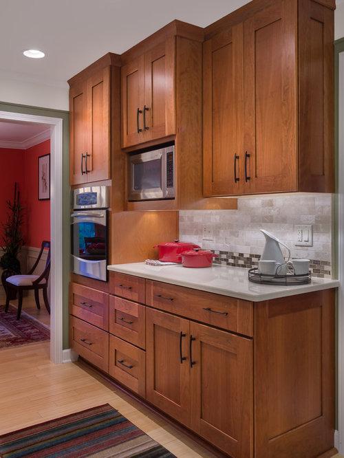 rustikale k chen mit bambusparkett ideen design bilder houzz. Black Bedroom Furniture Sets. Home Design Ideas