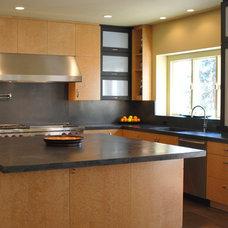 Modern Kitchen by Cranbury Design Center LLC