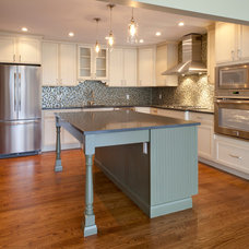Traditional Kitchen by Brunelleschi Construction