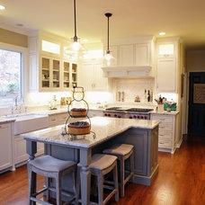 Traditional Kitchen by Keystone Millworks Inc