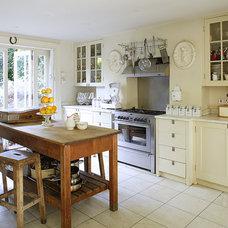 Traditional Kitchen Cream Traditional Kitchen