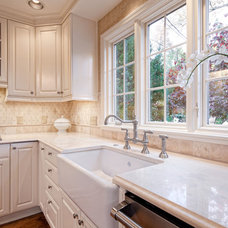 Traditional Kitchen by Carthage Stoneworks