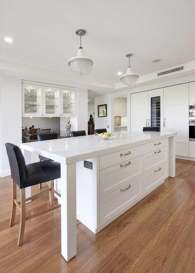 Traditional Kitchen by Dan Kitchens Australia