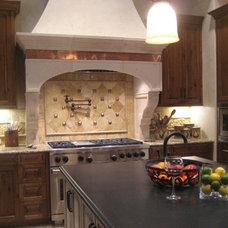 Mediterranean Kitchen by GABRIEL HOME BUILDERS INC