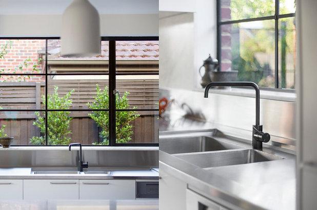 Industrial Kitchen by We Shoot Buildings Pty Ltd