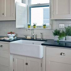 Traditional Kitchen by David Heide Design Studio