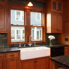 Traditional Kitchen by Full Circle Construction Inc.