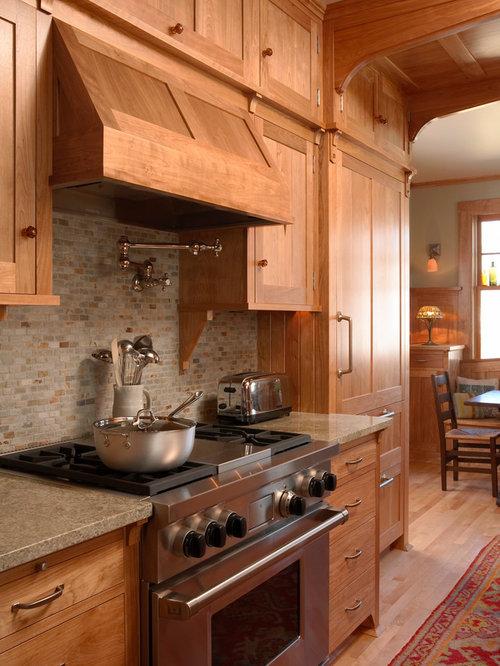 Craftsman Eat In Kitchen Designs   Inspiration For A Craftsman Medium Tone  Wood Floor Eat