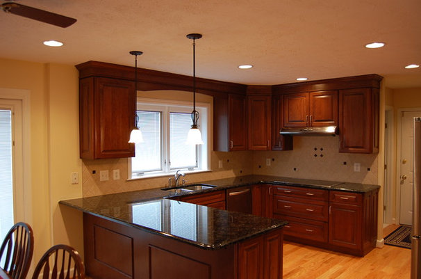 Traditional Kitchen by Solstice Kitchen and Bath