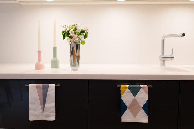 Contemporary Kök by Amanda Neilson Interiors