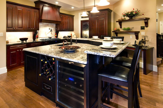 Traditional Kitchen by Norelco Cabinets Ltd