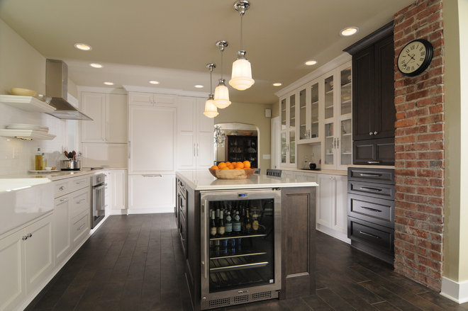 Contemporary Kitchen by Signature Design & Cabinetry LLC