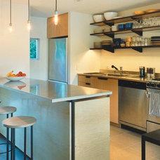Modern Kitchen by Roger Hirsch Architect