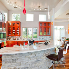 Contemporary Kitchen by Sendero Homes