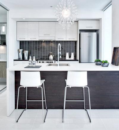 Contemporary Kitchen by RODOLF NOEL Photographe