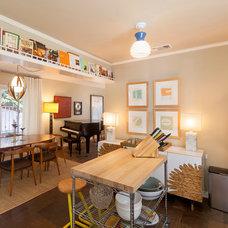 Beach Style Kitchen by Kimba Hills