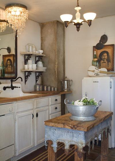 Shabby-chic Style Kitchen by Debbie Dusenberry, aka CuriousSofa.com