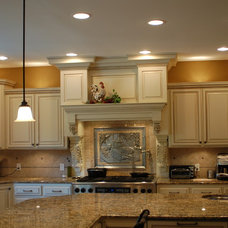 Traditional Kitchen by Fulbright Cabinet Shop, Inc.