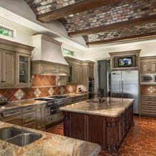 Traditional Kitchen by Sharif & Munir Custom Homes, Inc.