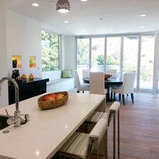Modern Kitchen by PQNK