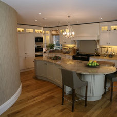 Contemporary Kitchen by Cheswick Kichens