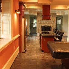 Modern Kitchen by Fine Renovations Inc.