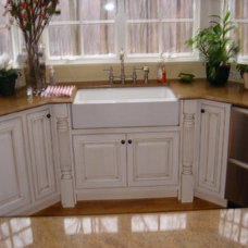 Traditional Kitchen by mary hogrebe  of LIS Custom Designs