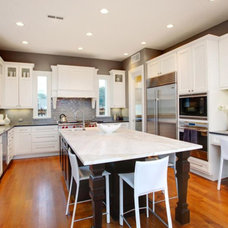 Traditional Kitchen by Windsor Plywood