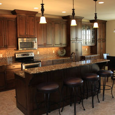 Traditional Kitchen by Legacy Mill & Cabinet NW llc