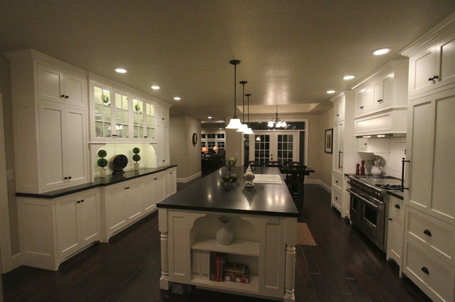 Contemporary Kitchen by Aloha Home Builders