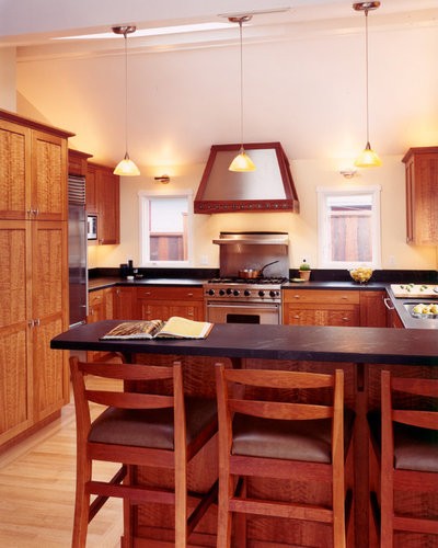 Traditional Kitchen by MN Builders