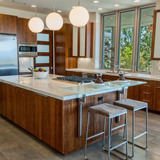 Contemporary Kitchen by Structure Home