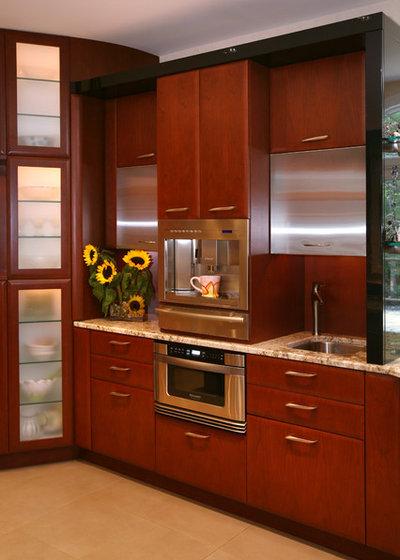 Contemporary Kitchen by Colmar Kitchen Studio