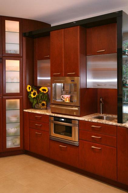 contemporary kitchen by Tim Kriebel - KRIEBELDESIGN