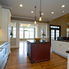 Farmhouse Kitchen by Lankford Decorating & Construction, Inc.