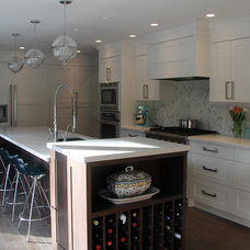 Beach Style Kitchen by McCabe DeSign & Interiors